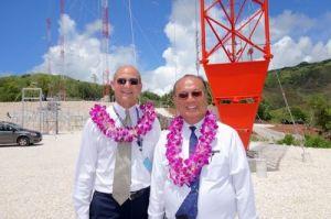Ted Wilson, presidente de la IASD junto a Dowell Chow, presidente de RMA. Foto tomada del Facebook oficial de RMA