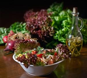 La tendencia hacia una alimentación y estilo de vida más saludable es algo que los adventistas han impulsado desde que se abrió su primer restaurante vegetariano en el siglo XIX