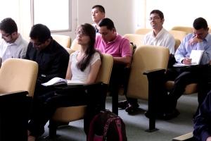 Junto a sus profesores, los estudiantes se mostraron interesados en cada tema abordado en el concilio