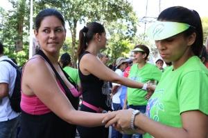 En segundo día del Impacto Medellín adventistas compartieron consejos de salud con la comunidad