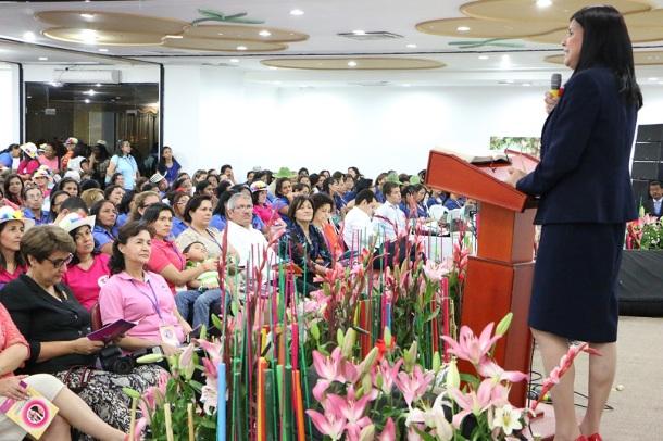 Benny Páez, líder del Ministerio de la Mujer e Infantil en la Unión Venezola Oriental, fue la responsable por el desarrollo espiritual del evento