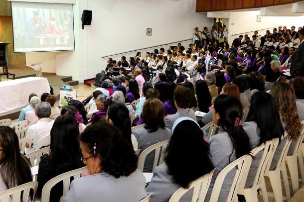 En Medellín, dos campos locales entregaron certificados a cientos de líderes que  se capacitaron en áreas como Evangelismo, Escuela Sabática, Ministerio Juvenil