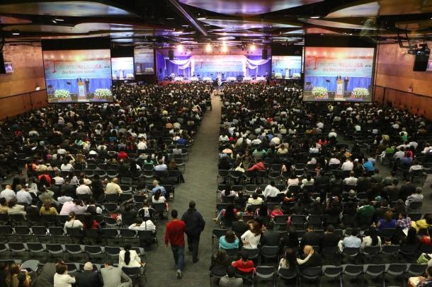 En Medellín 4000 personas agradecieron a Dios y al país por la libertad  religiosa, el sábado 21 de marzo de 2015