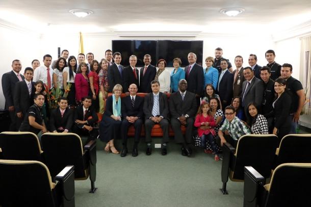 Equipo de la Unión Colombiana del Norte junto al máximo líder de la Iglesia Adventista a nivel mundial, pastor Ted N.C. Wilson el miércoles 18 de marzo de 2015