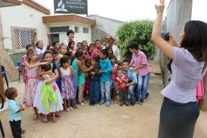 Construir una escuela para los niños de Villa Clemen, es el próximo sueño de los líderes de la nueva Iglesia Adventista
