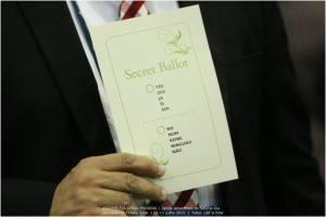 Estas fueron las tarjetas para el voto  secreto [Foto: Leonidas Guedes]