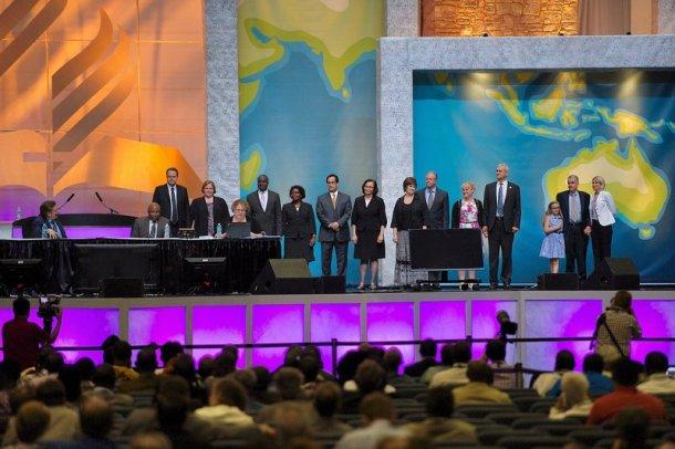 Los elegidos para servir en la Asociación General de los Adventistas del Séptimo Día. [Foto © 2015 División Norteamericana de la Iglesia Adventista. Foto por James Bokovoy]
