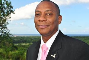 El pastor Gary Buddoo-Fletcher fue designado Capellán Principal de la Fuerza Policial de Jamaica, durante una sesión de la junta de la fuerza en Kingston, Jamaica, el 3 de agosto de 2015. Buddoo-Fletcher se convierte así en el primer ministro adventista en ocupar el cargo y el quinto capellán que trabaja en la fuerza.  Imagen de Dyhann Buddoo-Fletcher.