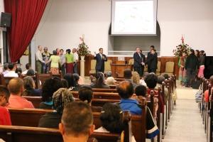 Líderes de Grupos Pequeños en programa realizado en la iglesia adventista Central de Medellín con el pastor Melchor Ferreira