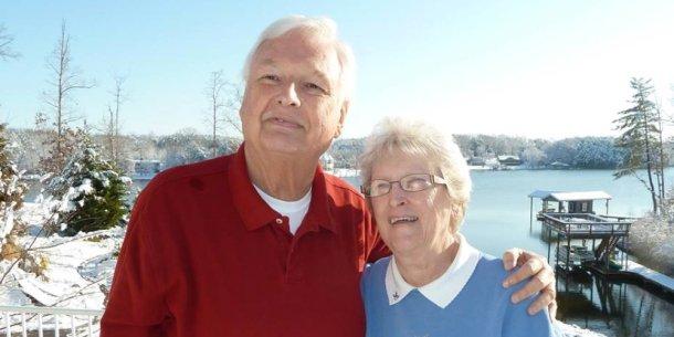 Robert S. Folkenberg con su esposa Anita, en una fotografía familiar sin fecha. Imágenes por cortesía de Archivos Adventistas