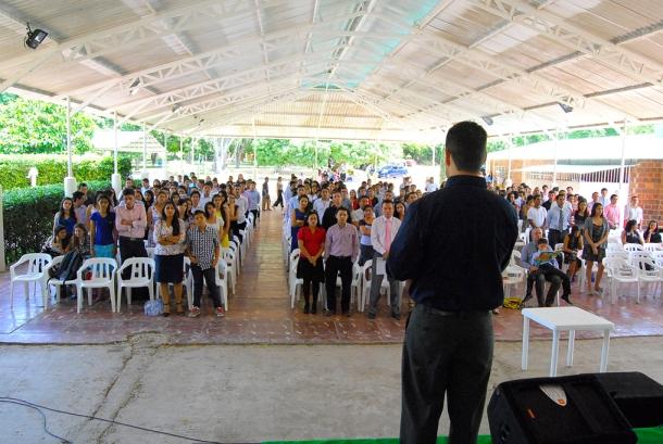 Estudiantes de educación superior y profesionales adventistas del Noreste Colombiano participan en actividades del IV Encuentro de Universitarios el pasado 4 de junio [Foto: Kendy Santander]