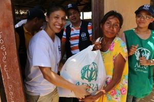 """""""Ha sido una gran bendición para mi vida poder servir siendo los pies y las manos de Jesús"""", Angélica Dejesus voluntaria de ADRA"""