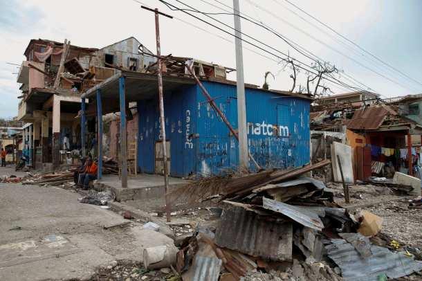 El Huracán Matthew devastó en especial la península sudeste deHaití, el 3 y 4 de octubre de 2016, dejando a su paso muertes y destrucción. Foto: www.publico.pt
